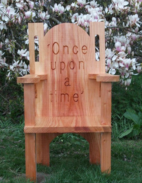 Kerti bútorok - Mesemondó trónok